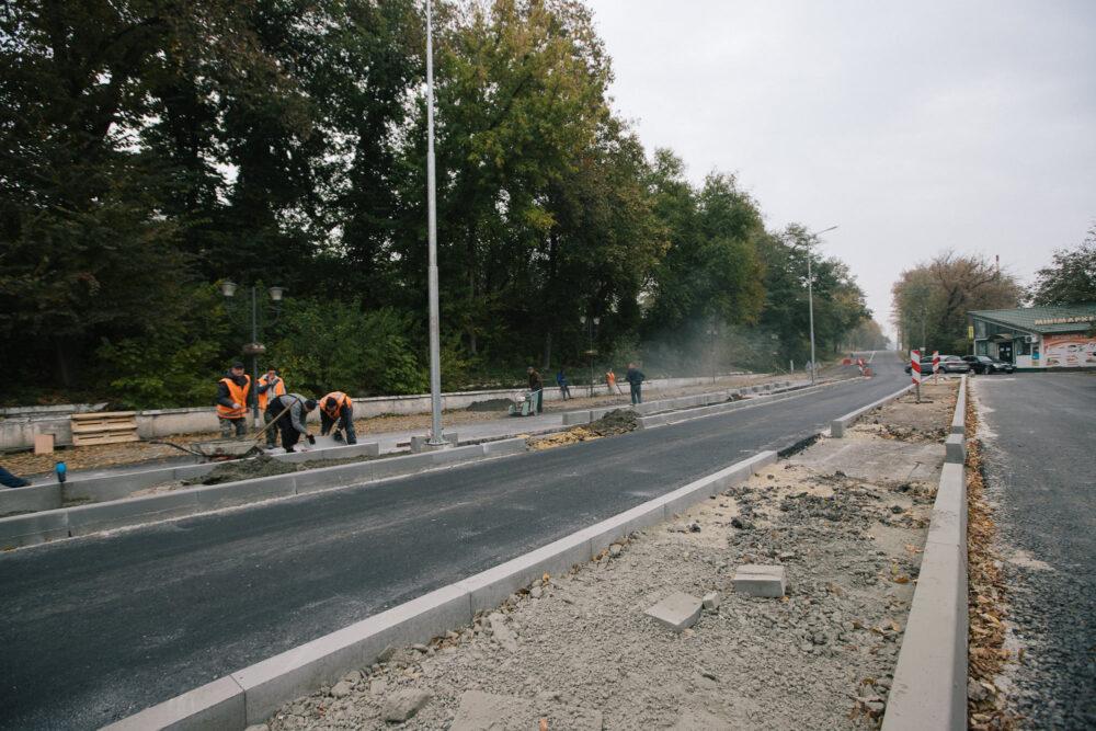 У Могилеві-Подільському капітально ремонтують вулицю Вокзальну